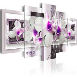 Kép - With violet accent
